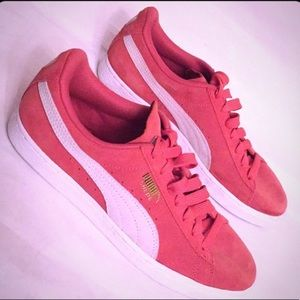 🆕 ONLY ONE PAIR! Puma Suede Sneakers